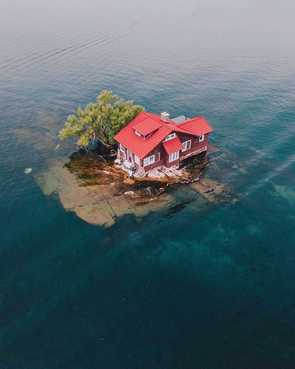 Остров «Достаточно места», США