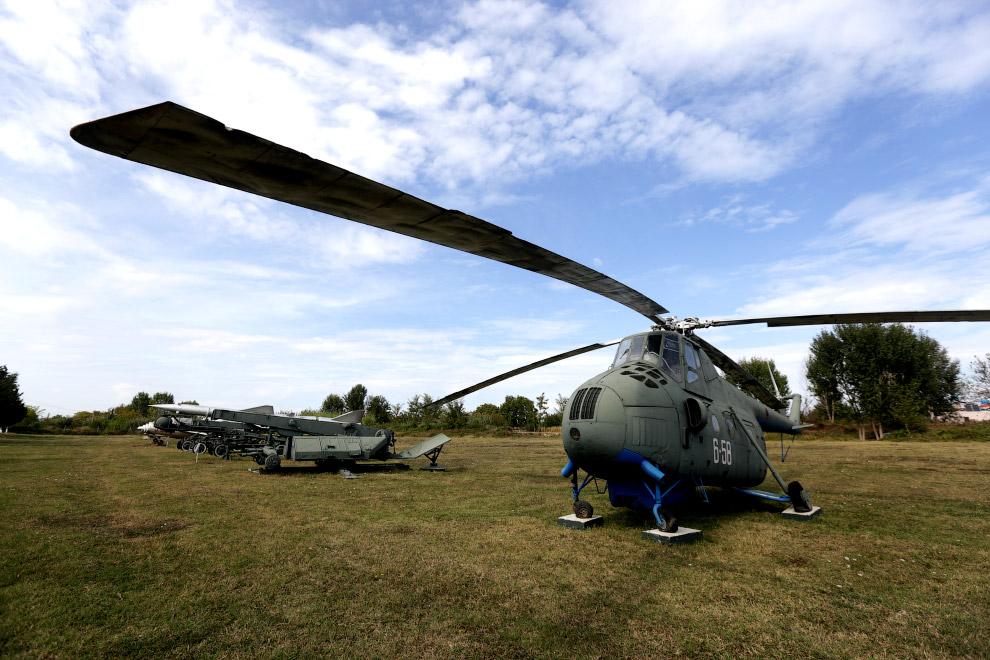 Советский многоцелевой вертолёт Ми-4