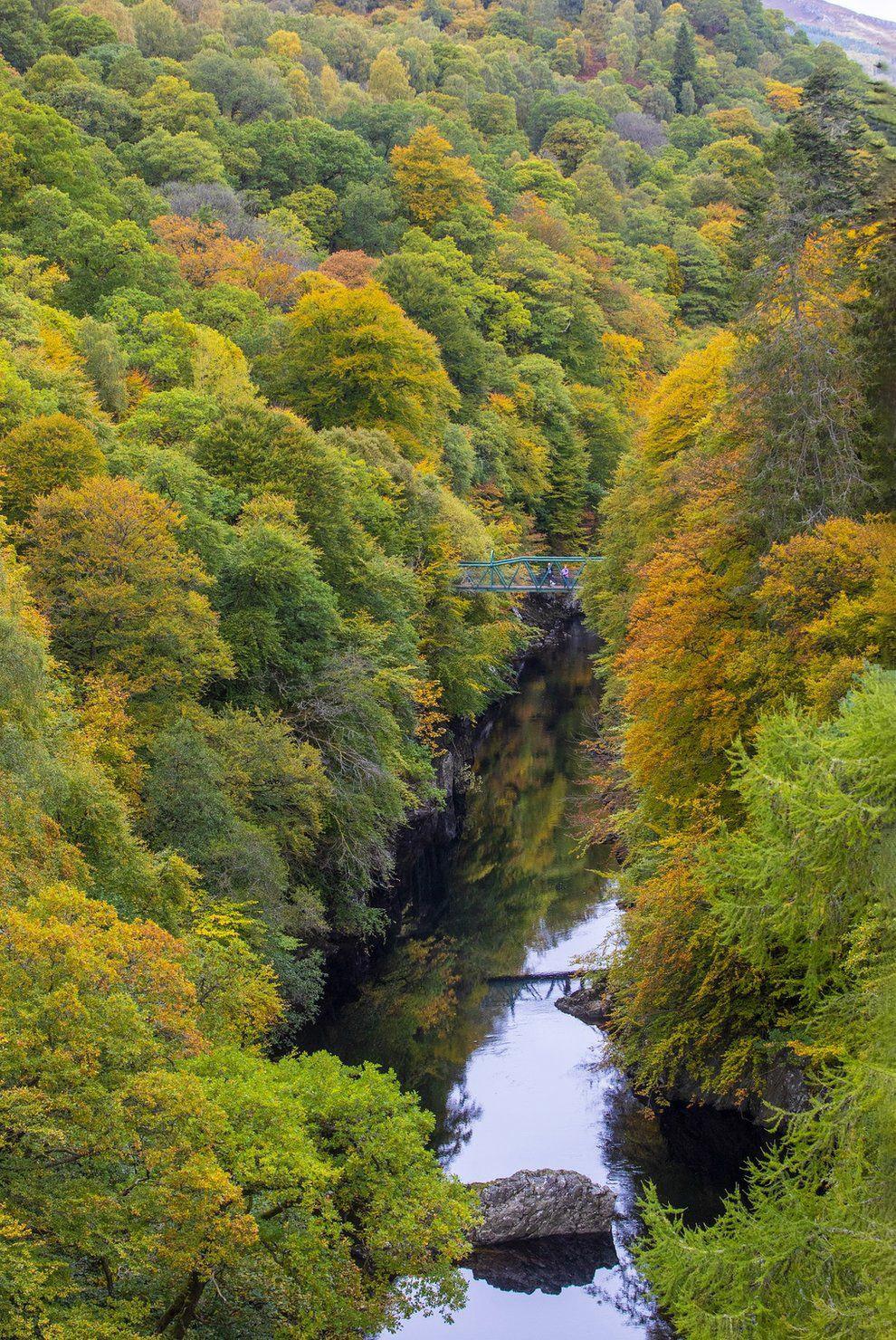 Мост через реку Гарри возле деревни Килликранки, графство Пертшир