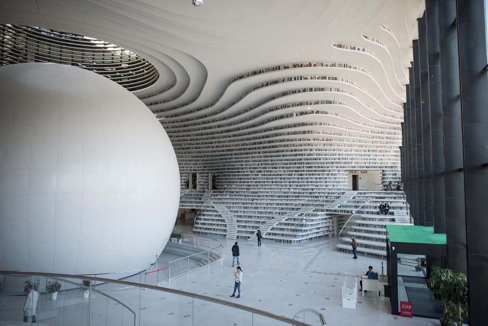Библиотека Тяньцзинь Бинхай, Китай.