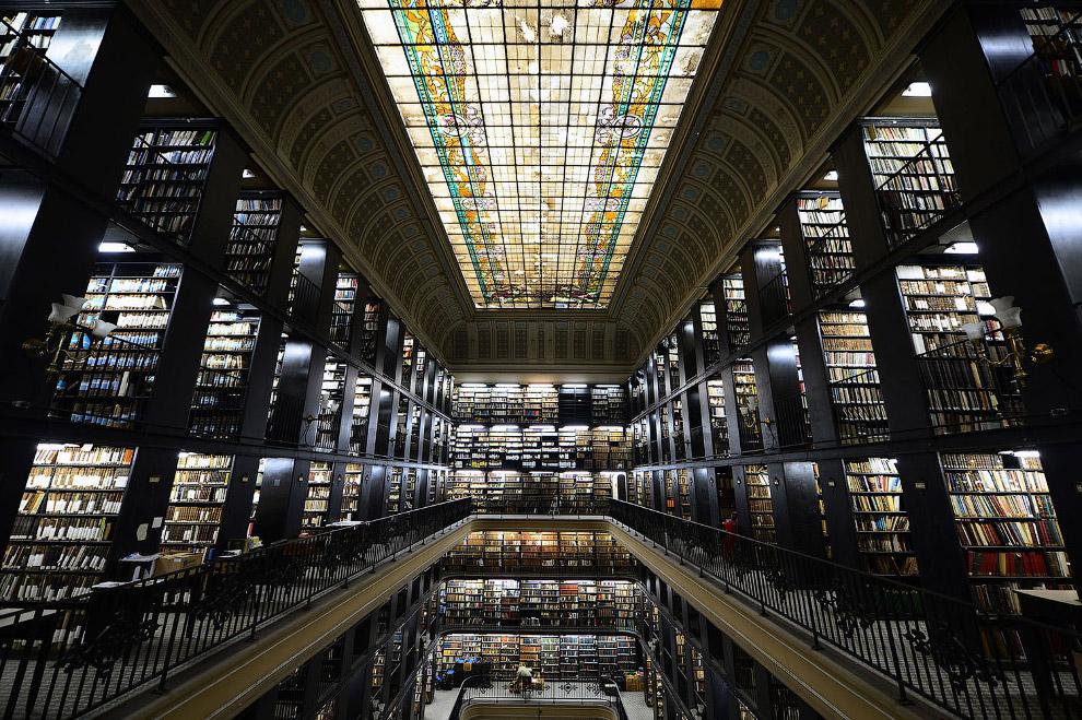 Национальная библиотека Бразилии в Рио-де-Жанейро