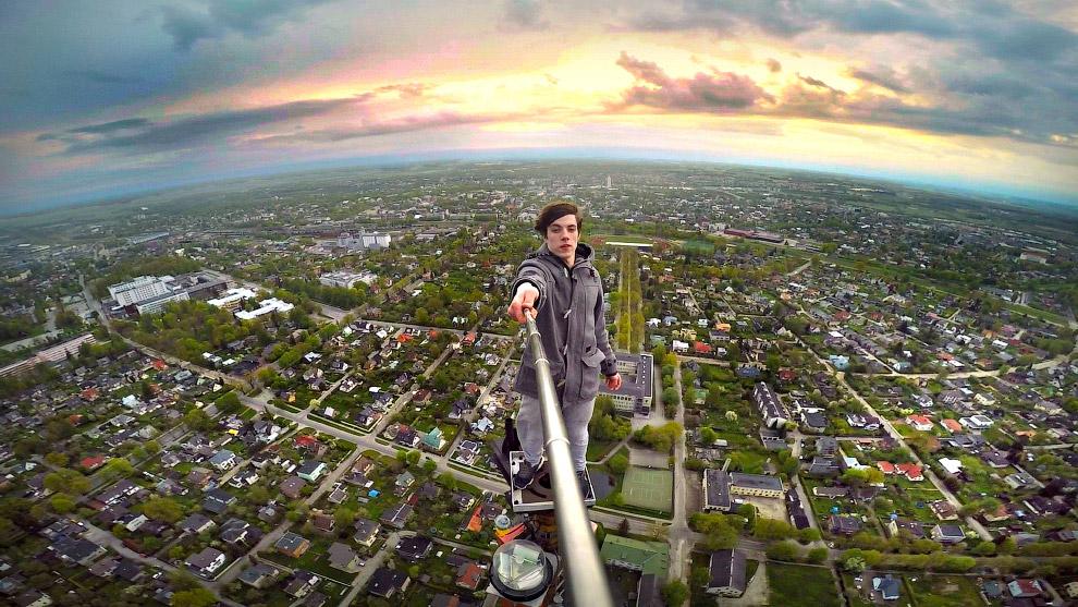 Наверху телебашни Тарту в Эстонии