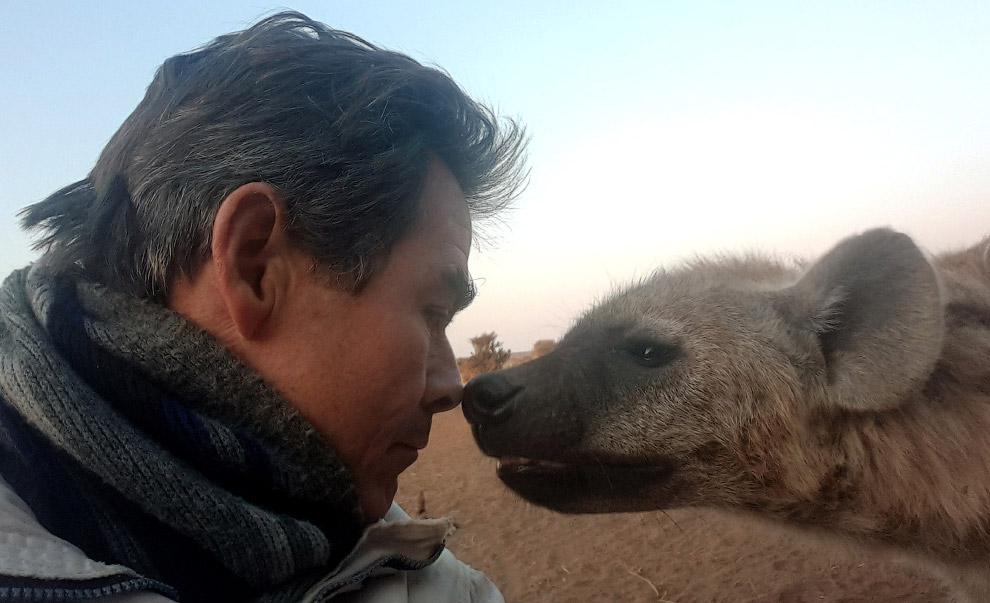 Селфи с гиеной в Ботсване