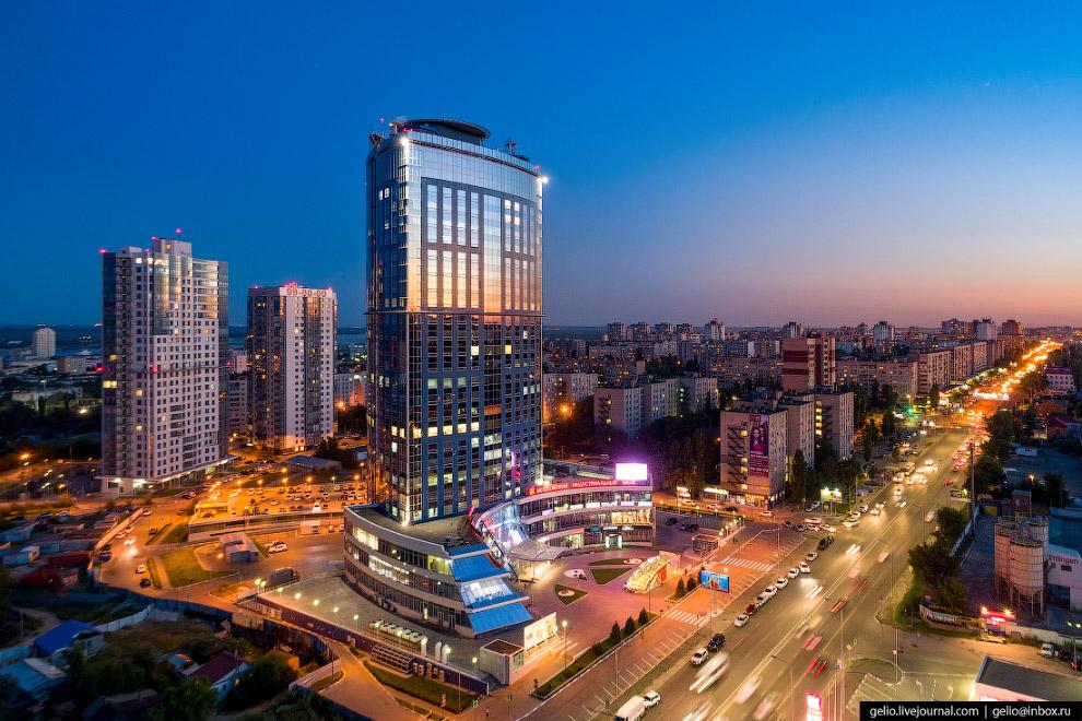 «Бизнес-центр» класса «А» высотой 100 метров.