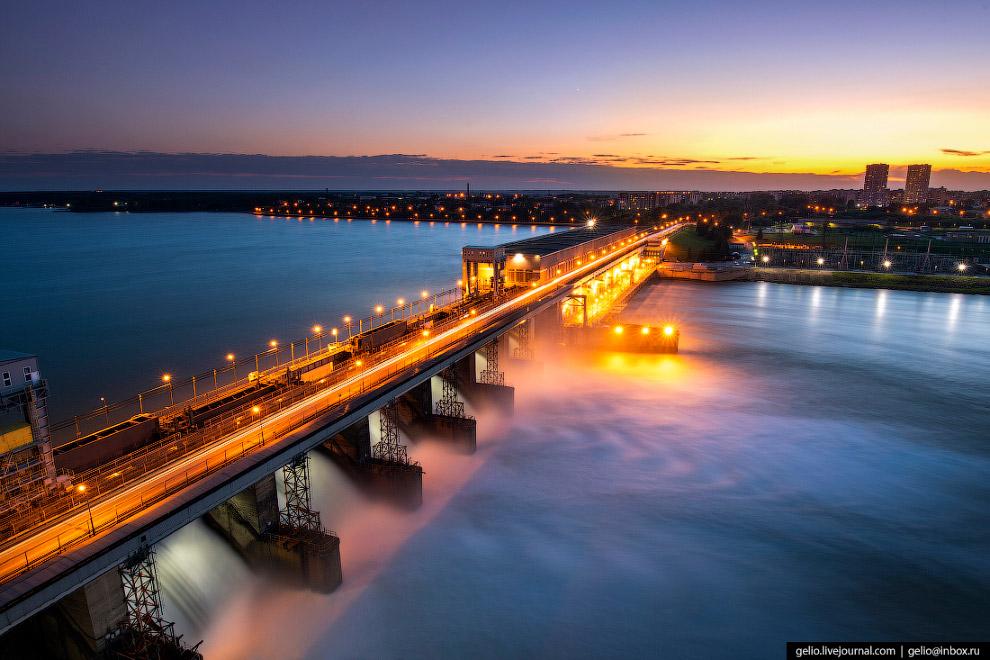 Новосибирская ГЭС на реке Обь
