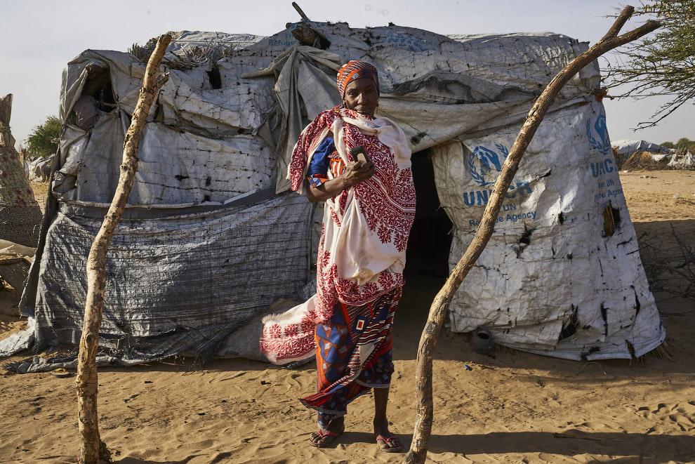 У нигерийских беженцев тоже есть смартфоны