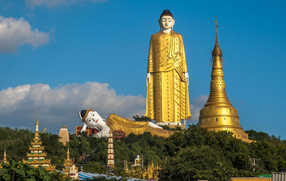 Статуя Будды в Хатакан Таунг, Мьянма