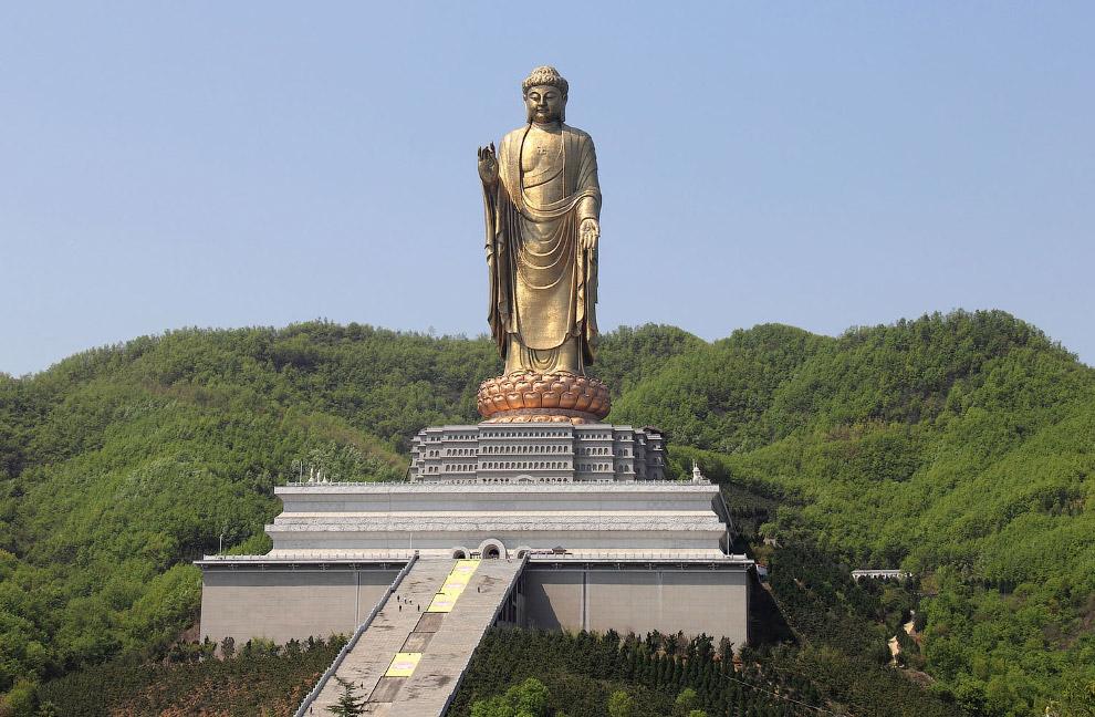 Чжун'юаньская статуя Будди