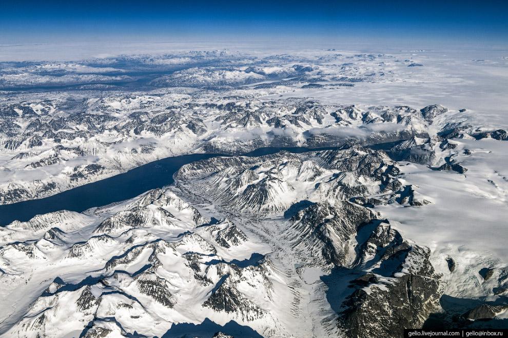 Гренландия — самый большой остров на Земле.