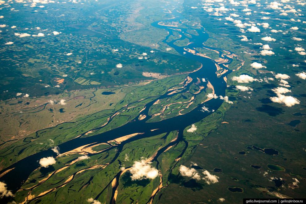 Лена — крупнейшая река в мире, полностью протекающая в районе вечной мерзлоты.
