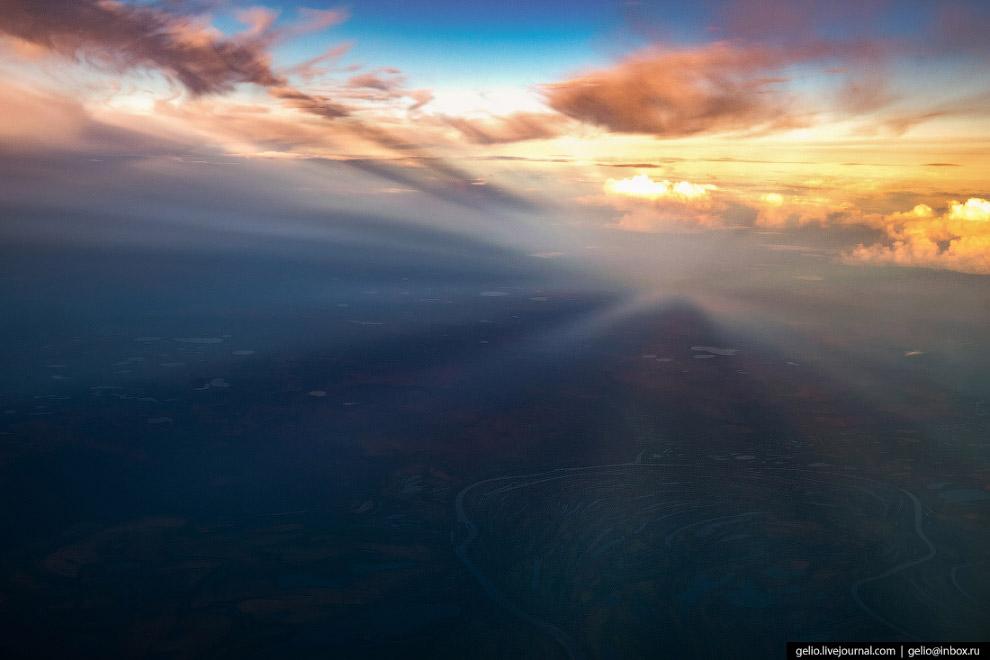 Тень от облаков.