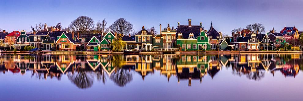Дома на берегу реки в Заансе Сханс, Нидерланды