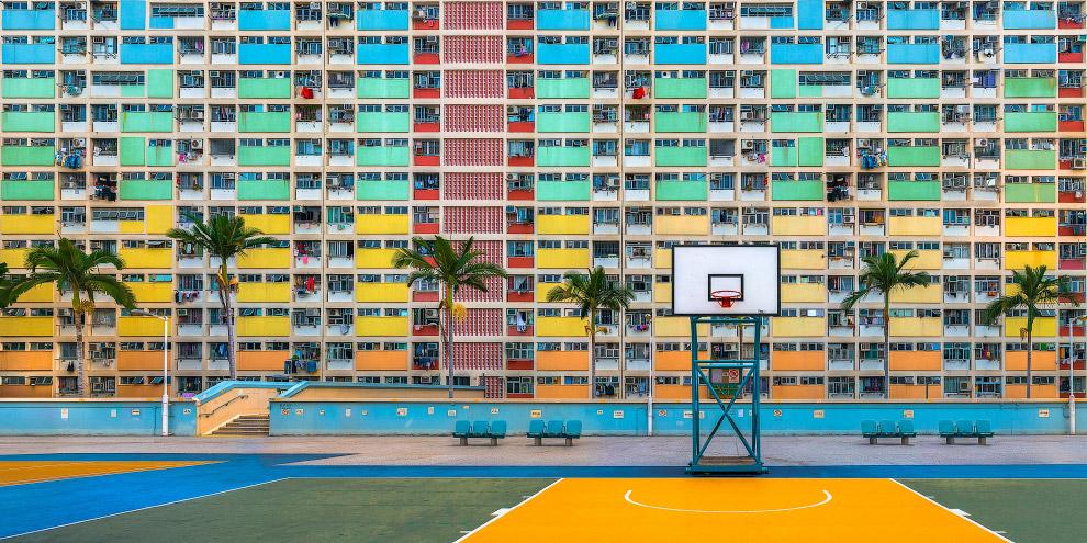 Яркий район и игровая площадка в Гонконге