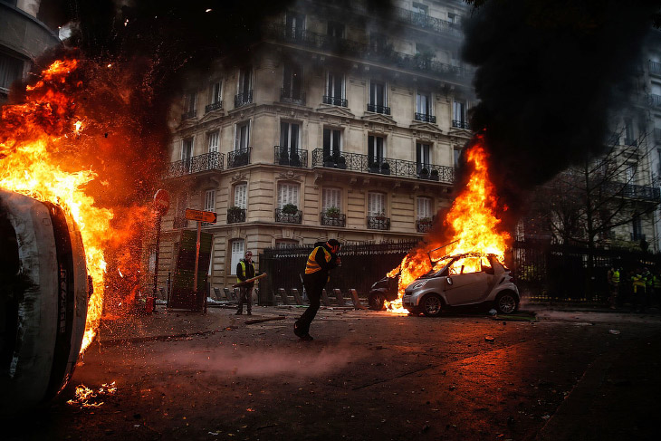 Погромы и беспорядки в Париже 2018