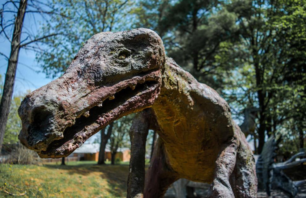 Харизматичный динозавр в Уайт Пост, Вирджиния