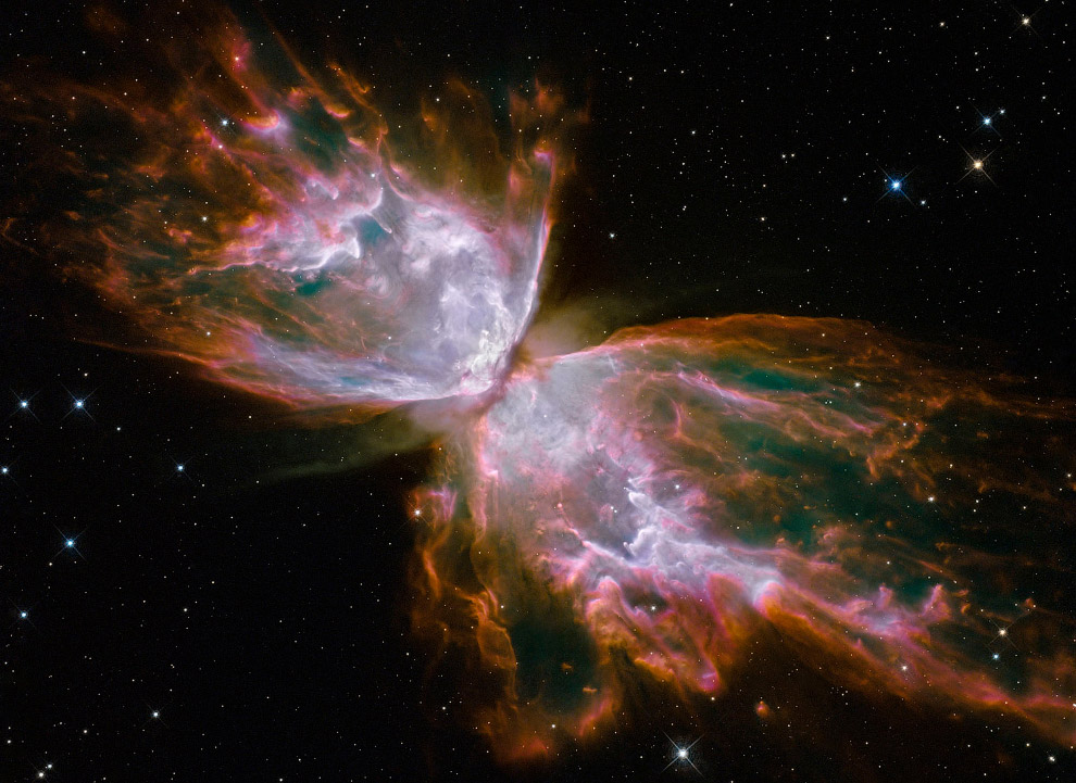 Биполярная планетарная туманность NGC 6302 в созвездии Скорпион