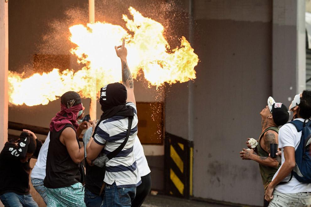 Столкновения в Каракасе