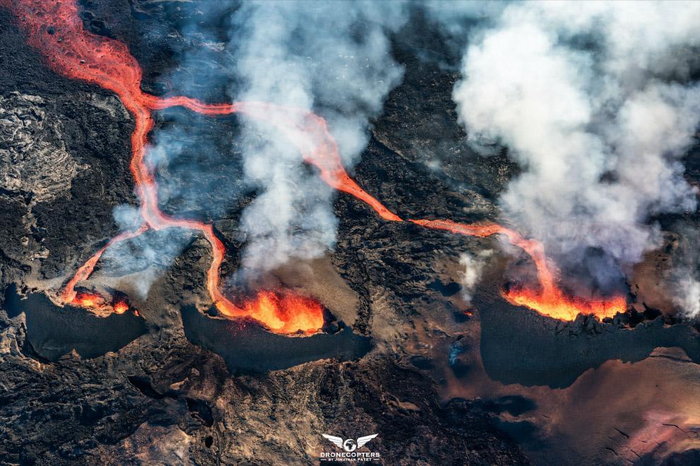 три вулкана