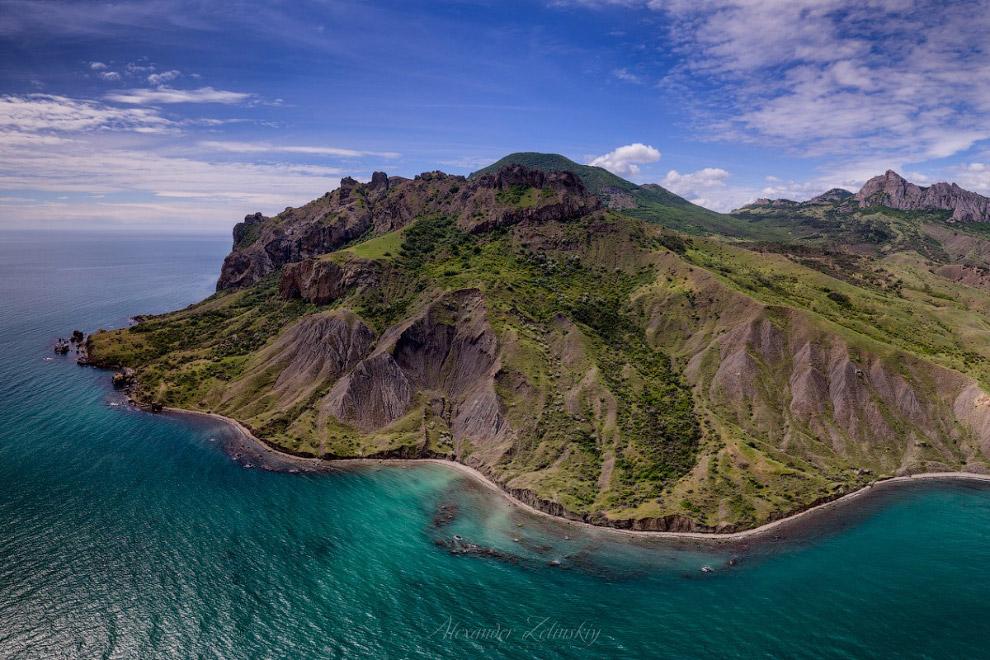 острів Карадаг