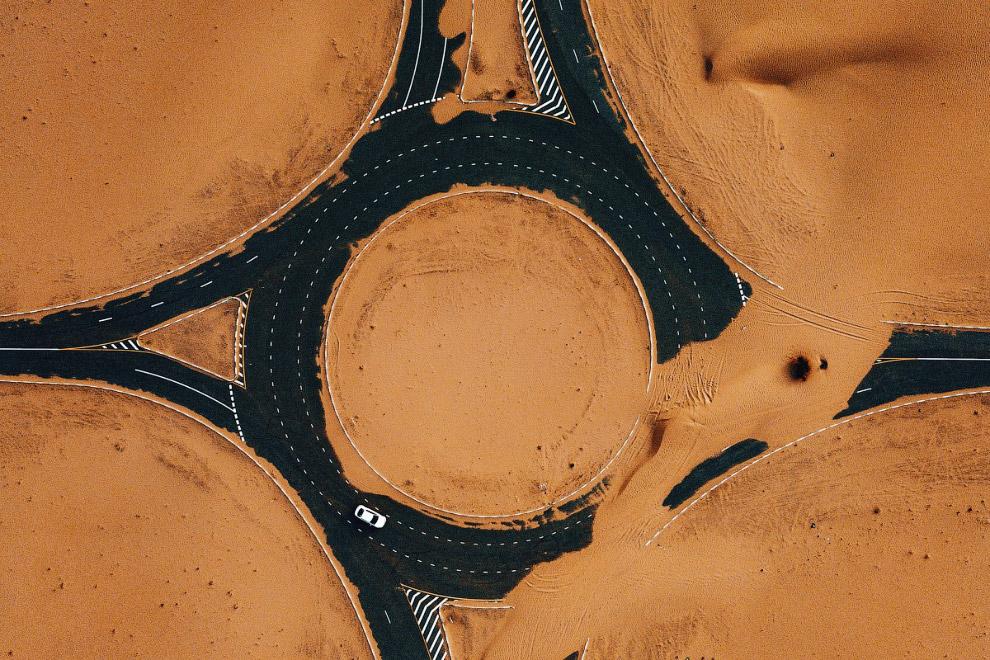 Занесенная песком «развязка» в Дубае