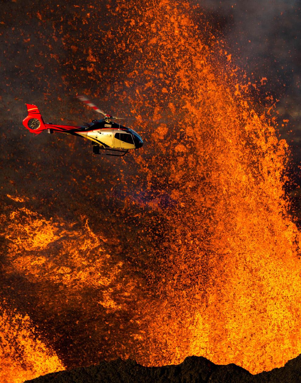 Полет над вулканом Питон-де-ла-Фурнез