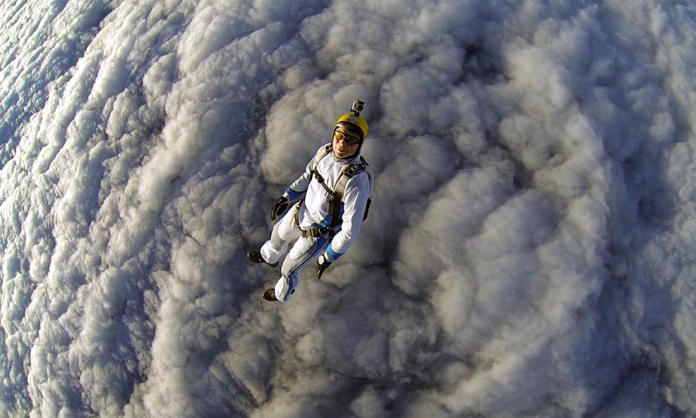 Падение в пушистые облака в аэропорту Пущино недалеко от Москвы