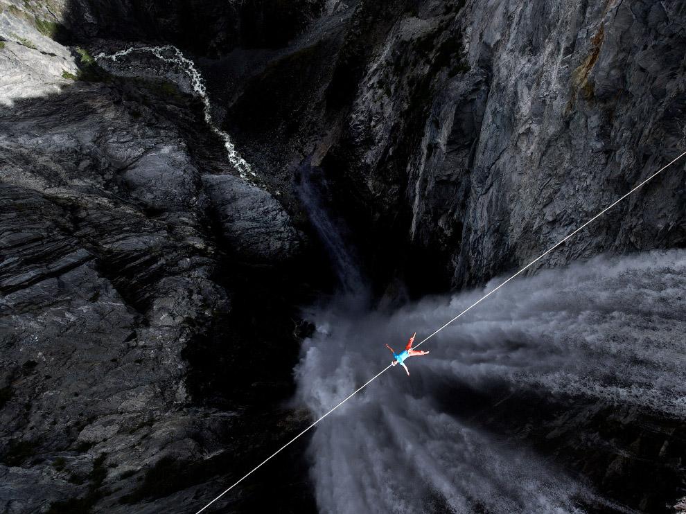 Еще одна прогулка, на этот раз через водопад Ханлен в Канаде