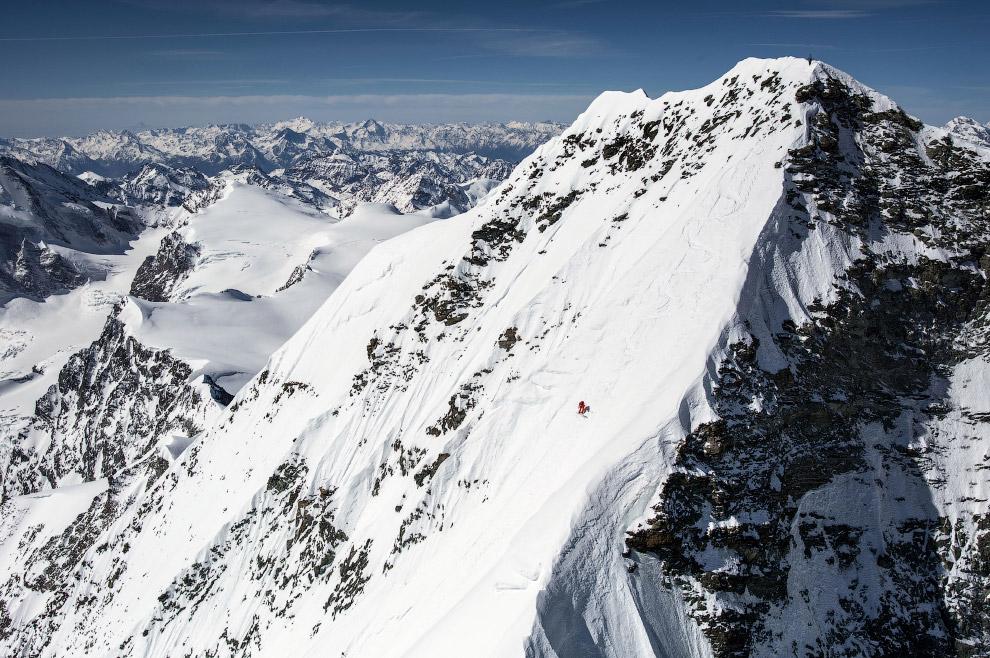 Спуск с вершины Дент Бланш в Швейцарии