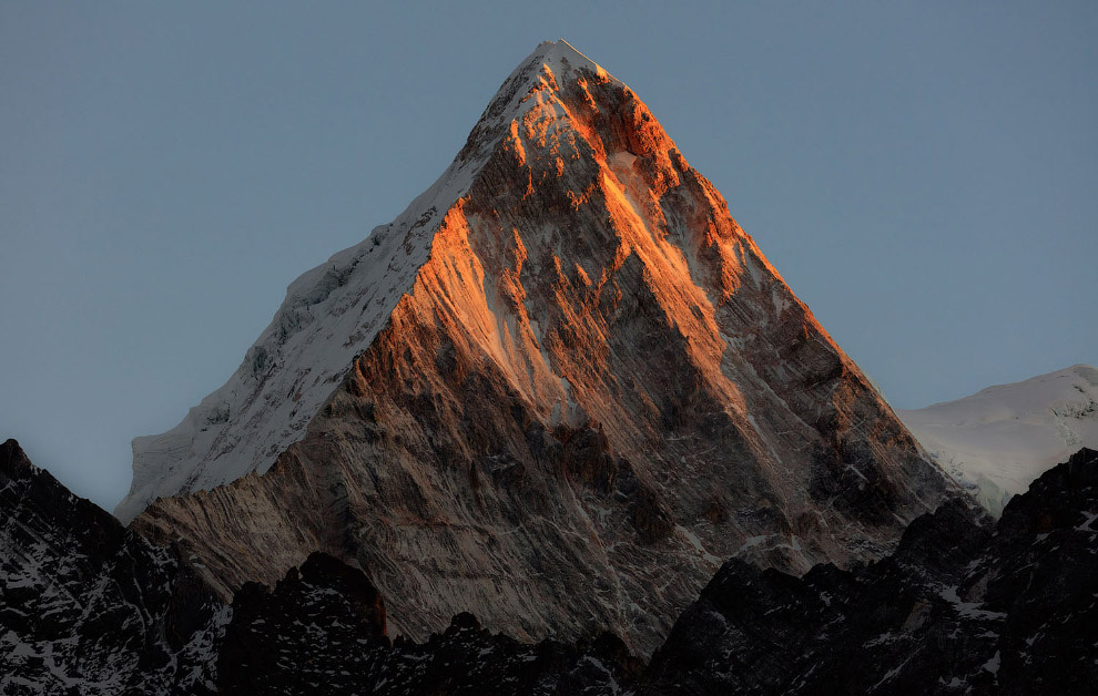Горная вершина и закат