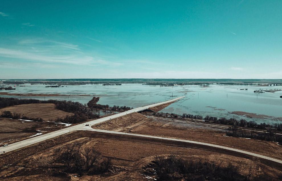 Затопленные фермы и дороги