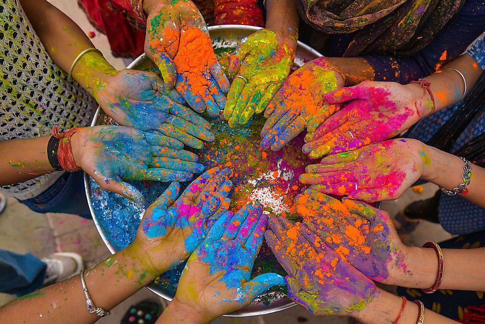 Фестиваль красок Холи 2019