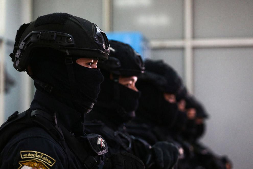 Спецназ в масках в Бангкоке, Таиланд
