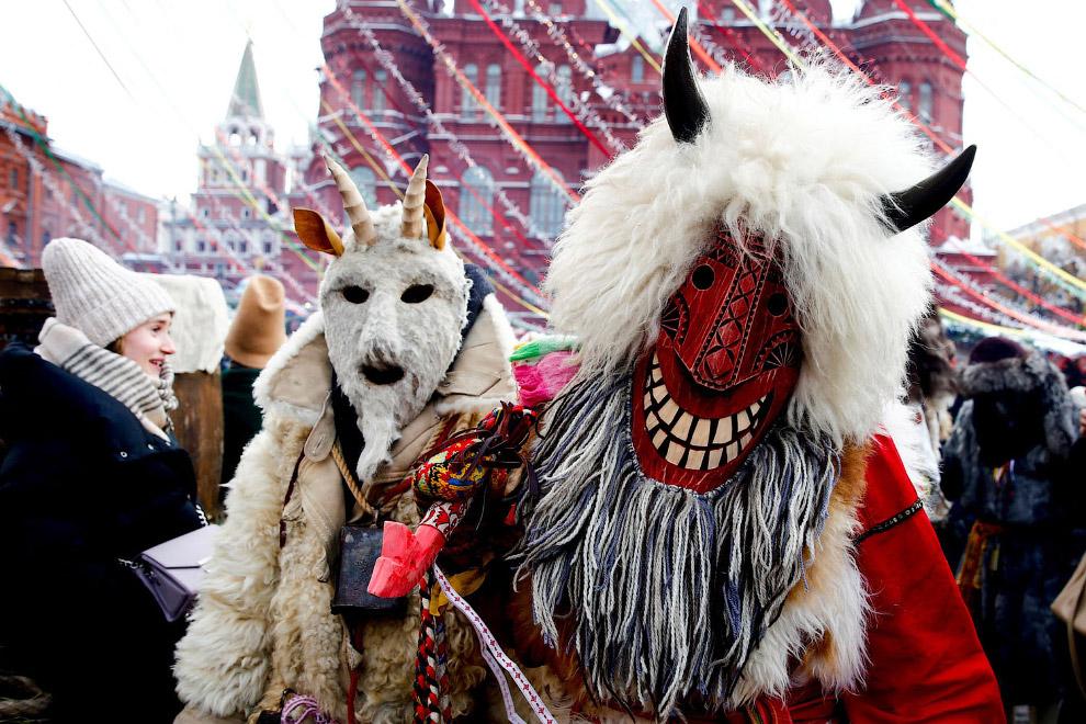 Масленица на Манежной площади в Москве