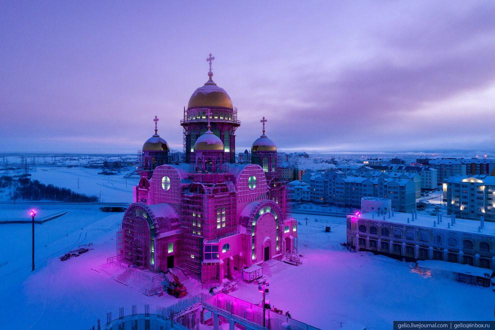 Споруджуваний храм Преображення Господнього