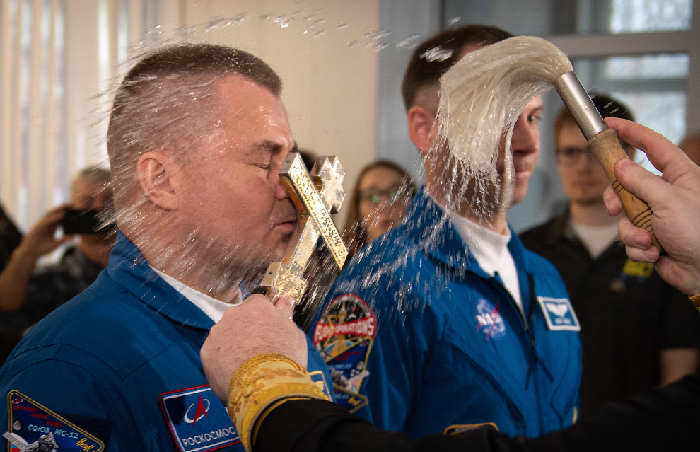 Expedition 59 Crew Blessing