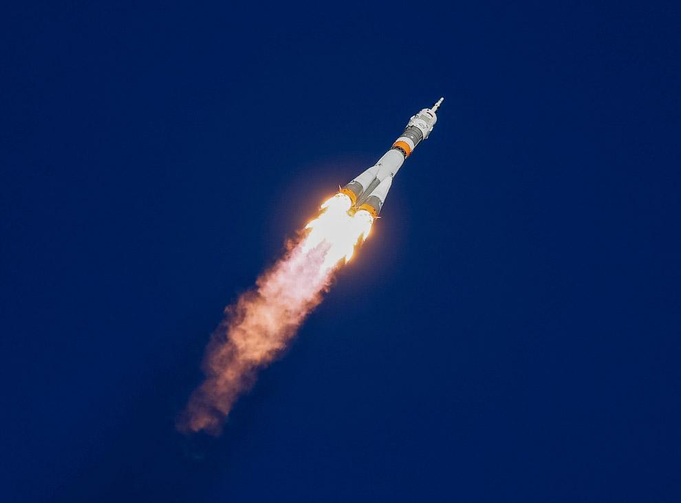 Стартует космический корабль «Союз МС-10»