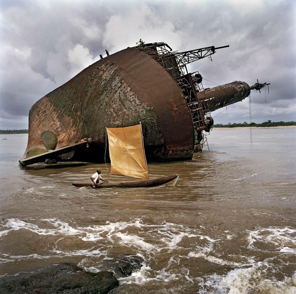 Обломки корабля у порта Гринвилл, Либерия