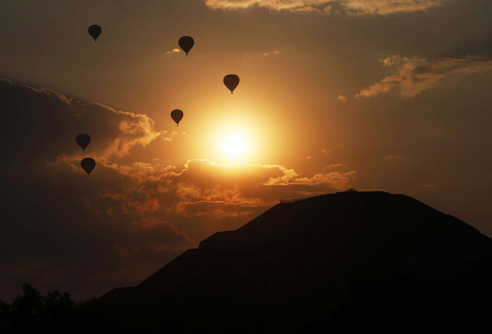 Воздушные шары и весна в Мексике