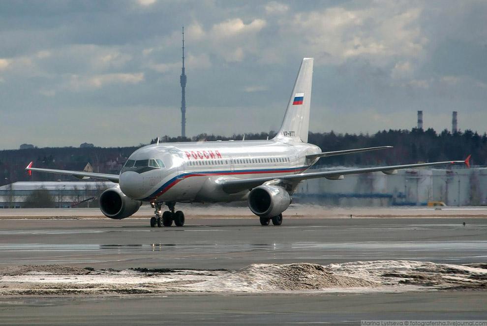 """А319 АК """"Россия"""" в Шереметьево, 2008 год."""