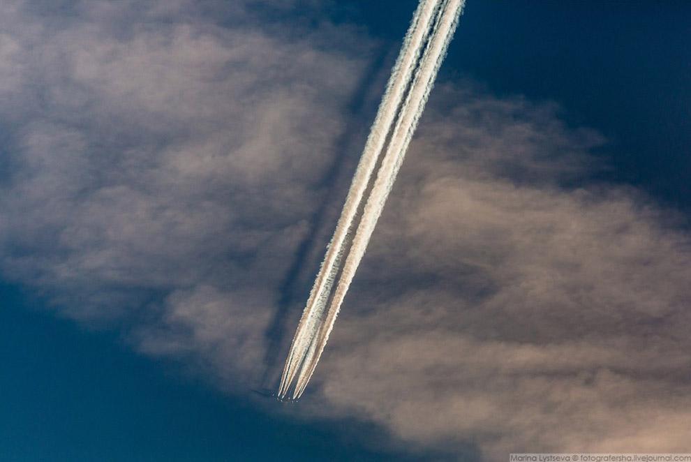 А380 в утреннем небе над Лондоном, 2017 год.