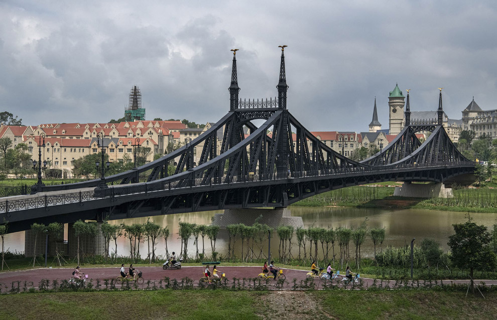 А вот копия моста Свободы в Будапеште