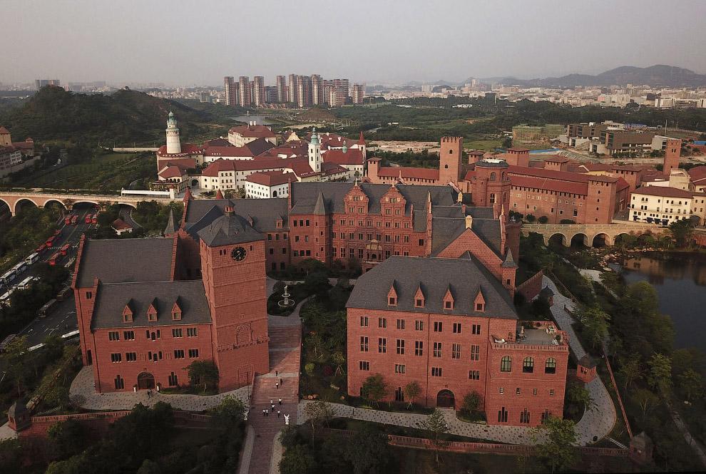 Еще один вид на новый научный кампус Huawei с высоты