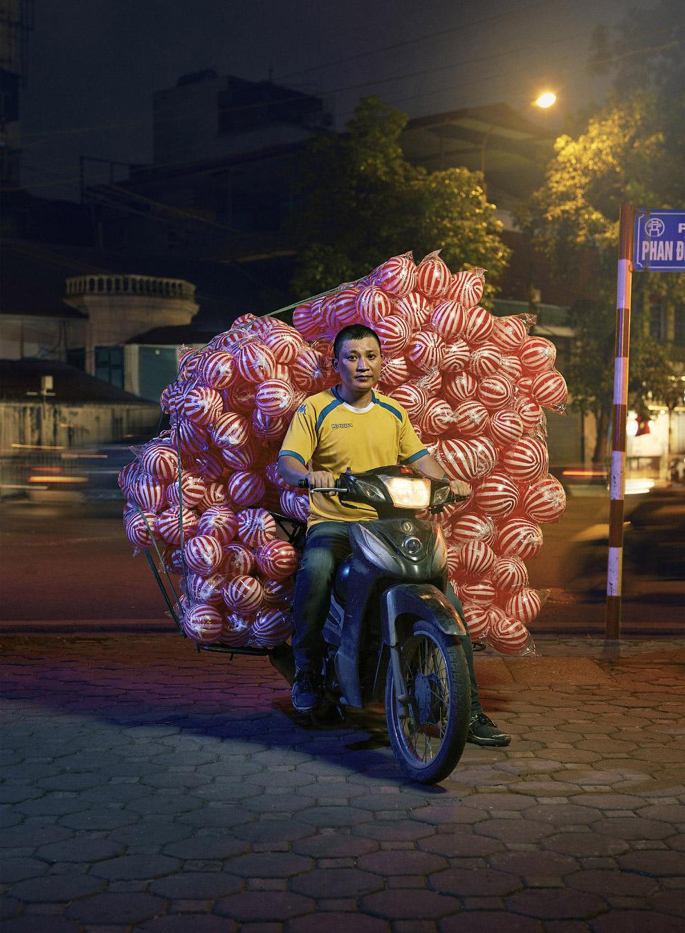 Доставка футбольных мячей с фабрики