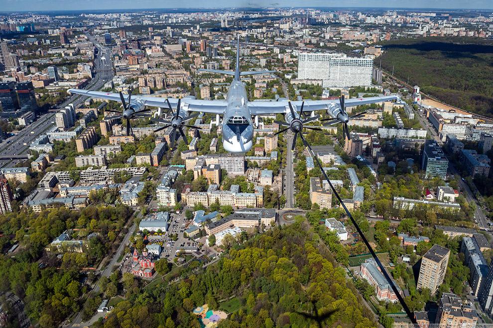 Петровский парк и Благовещенская церковь