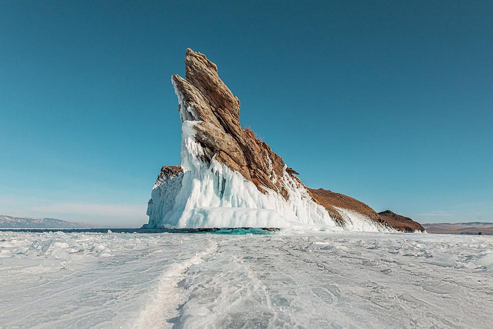 Мыс Дракон на острове Огой зимой