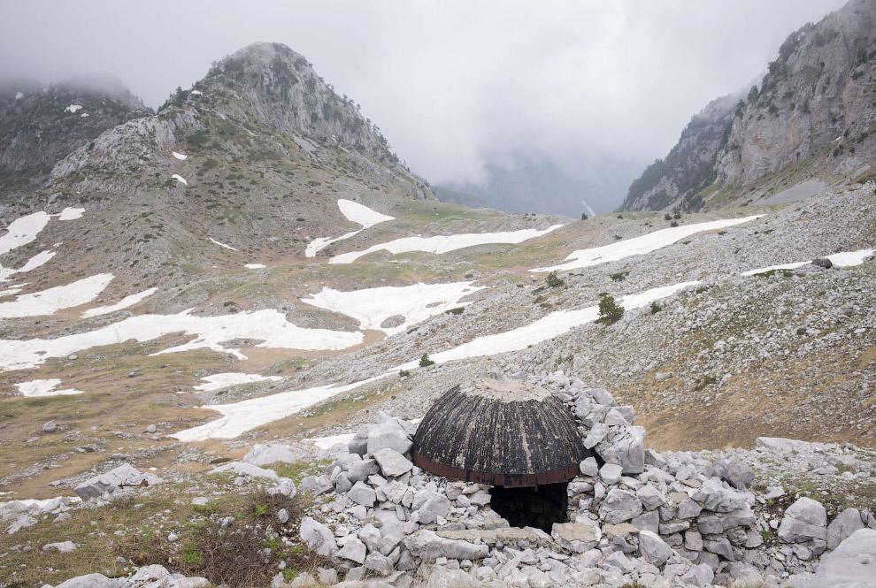 Бункер высоко в горах