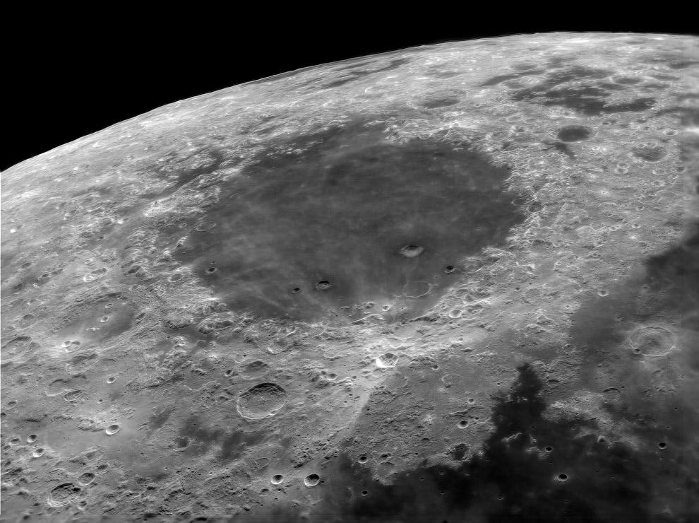 Море Кризисов на видимой стороне Луны