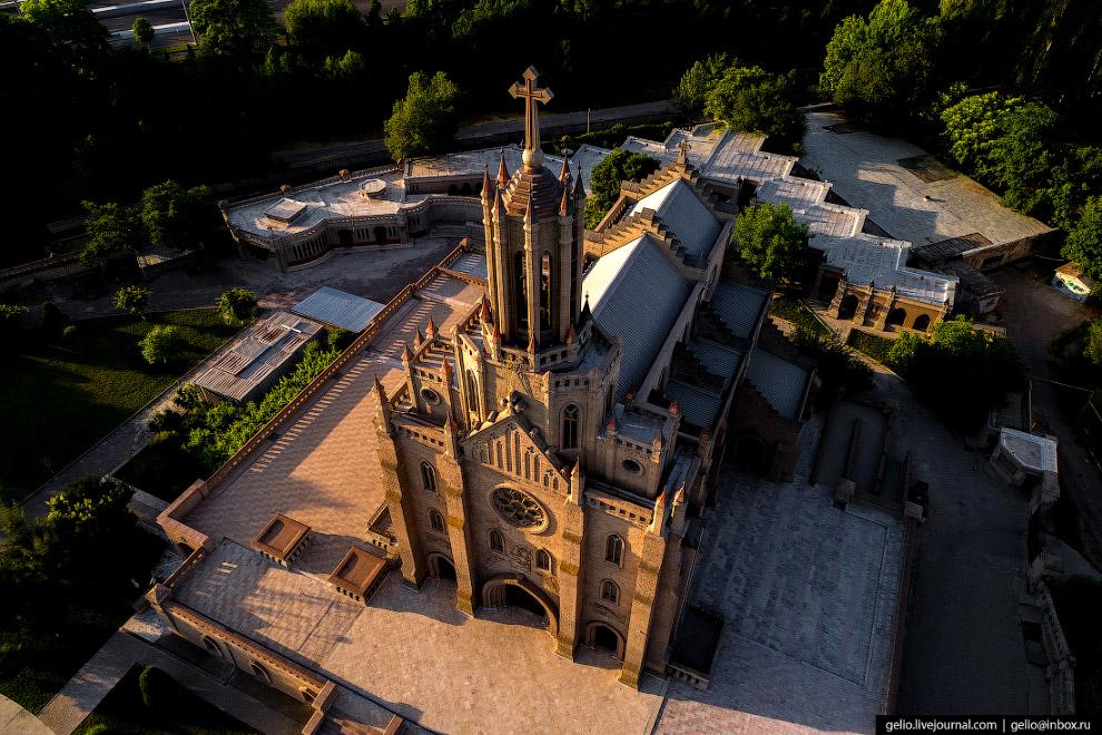 Католическую церковь
