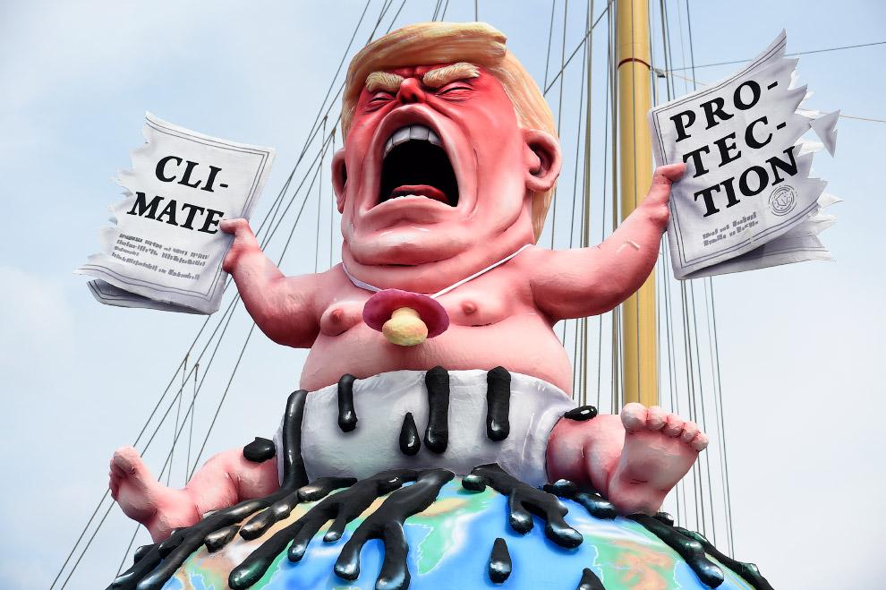 Акция протеста Гринписа на саммите G20 в Гамбурге, Германия