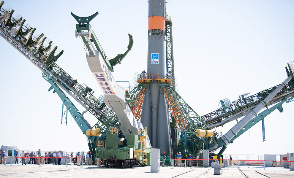 Expedition 60 Soyuz Rollout
